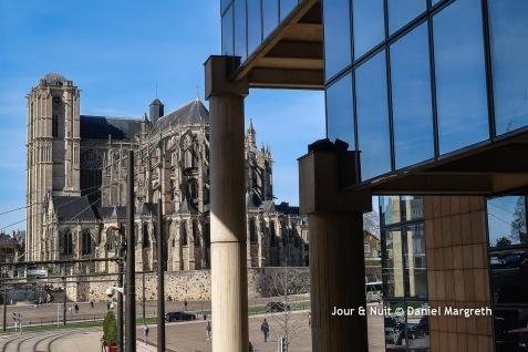 Cathédrale Saint Julien et Palais de Justice